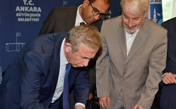 Ankara 3 No'lu Şube Başkanımız Hanefi Sinan ile Ankara Büyükşehir Belediye Başkanı Mansur Yavaş, Sosyal Denge Tazminatı Sözleşmesine imza attı.