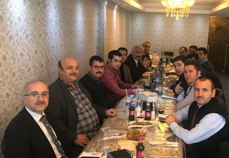 Sivaş Şube Başkanımız Pakoğlu, Görevde Yükselme ve Unvan Değişikliği Sınavında Başarılı Olan ve Atanmaya Hak Kazanan Üyelerimizle Bir Araya Geldi